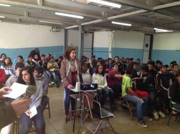 Psicólogo Janilton ministra palestra na escola CAIC II
